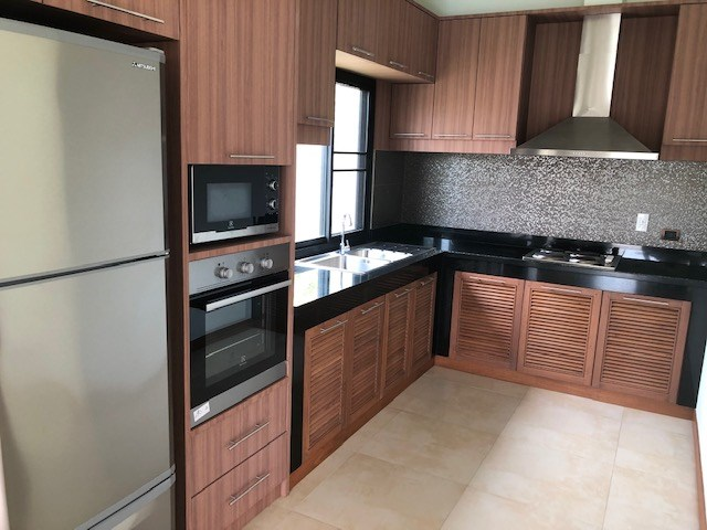 House for rent Huay Yai Pattaya showing the kitchen