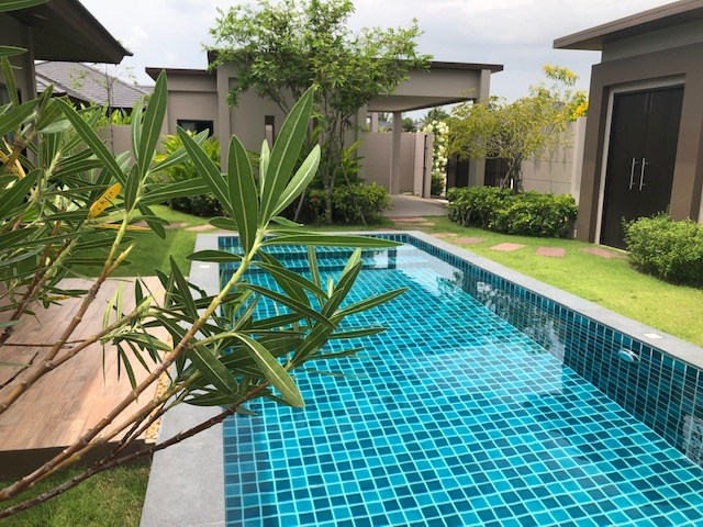 House for rent Huay Yai Pattaya showing the private pool