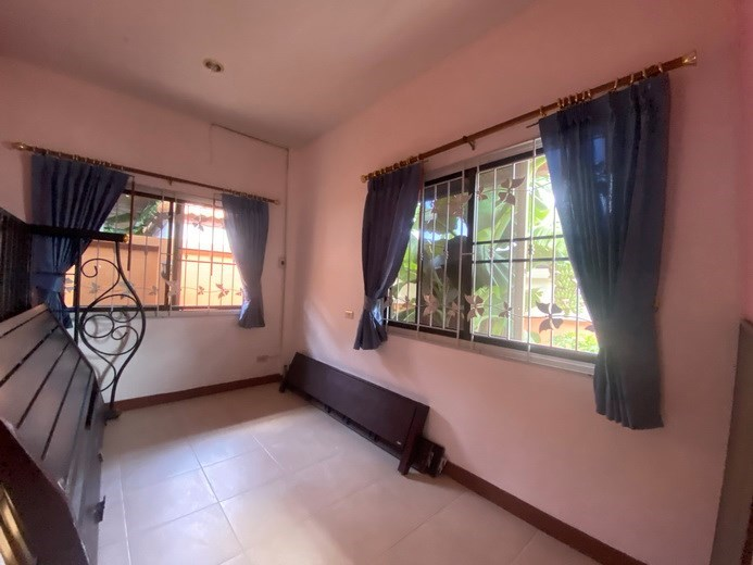 House for rent Mabprachan Pattaya showing the small room