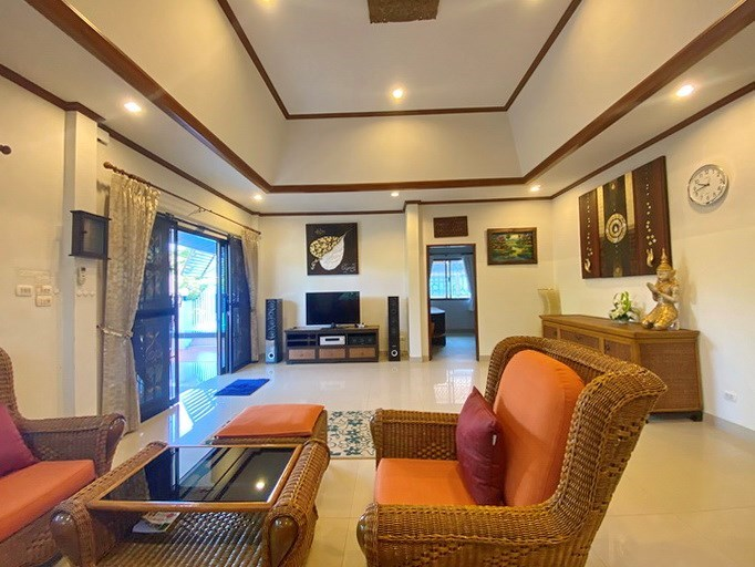 House for rent Pattaya showing the living room