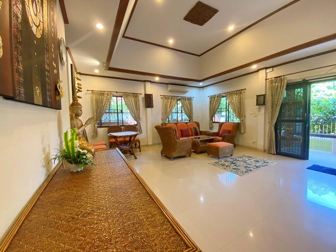 House for rent Pattaya showing the living area and entrance