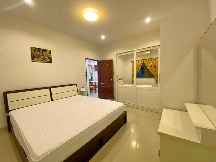 House for rent Pattaya showing the second bedroom with furniture