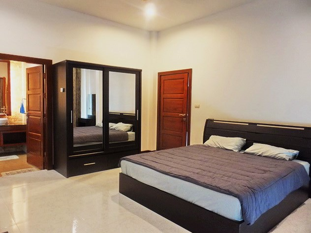 House for sale Huay Yai Pattaya showing the second bedroom suite