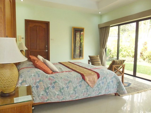 House for sale Jomtien showing the master bedroom with garden view