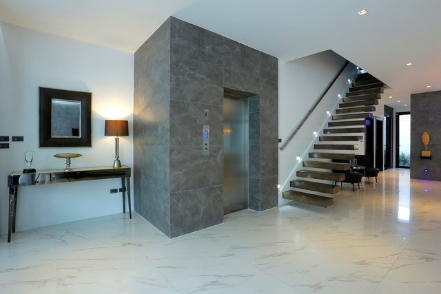 House for sale Pratumnak Hill Pattaya showing the elevator and stairs
