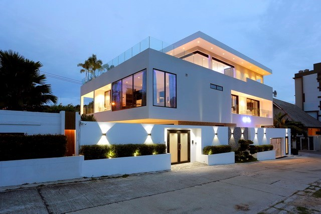 House for sale Pratumnak Hill Pattaya showing the house