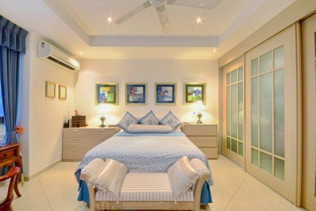 House for sale Siam Royal View Pattaya showing the second bedroom suite