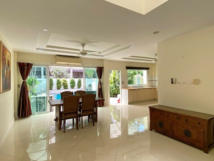 House for sale East Pattaya showing the dining area and pool view