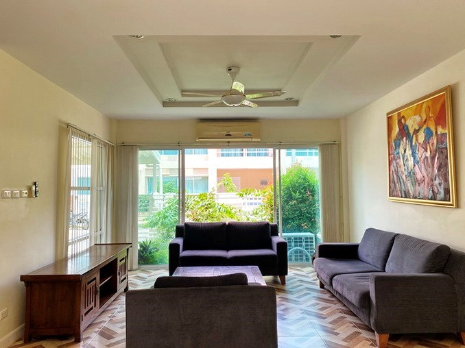 House for sale East Pattaya showing the living room with garden view