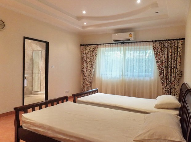 House for sale East Pattaya showing the second bedroom suite