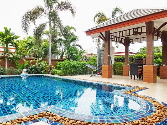 House for Sale Pattaya showing the pool and sala
