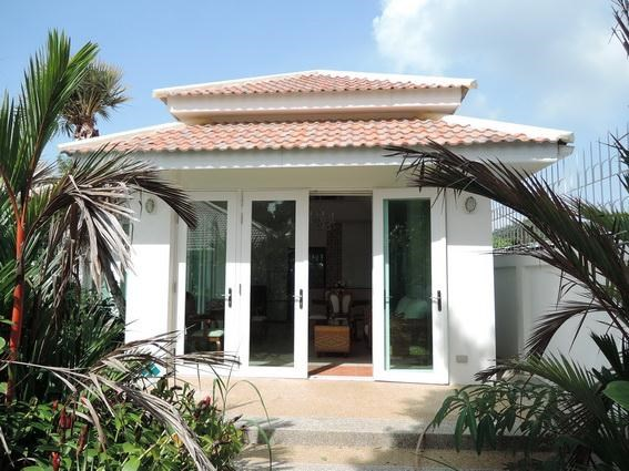 House for Rent Jomtien Park Villas Pattaya showing the guest house