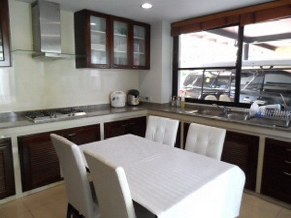 House for sale Pattaya Horseshoe Point showing the staff kitchen